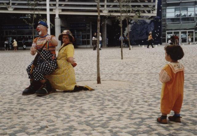 Bluey and Flossie entertain at Expo98, Lisbon