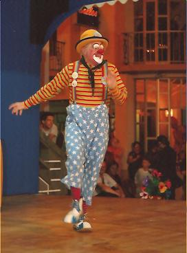 Clown Bluey performs on stage in São Miguel, Azores