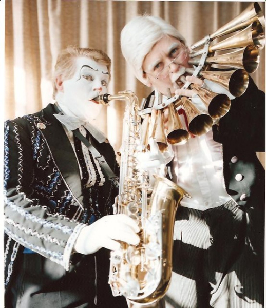Clown Bluey and Perzo as Prof Lockstock and Barrel