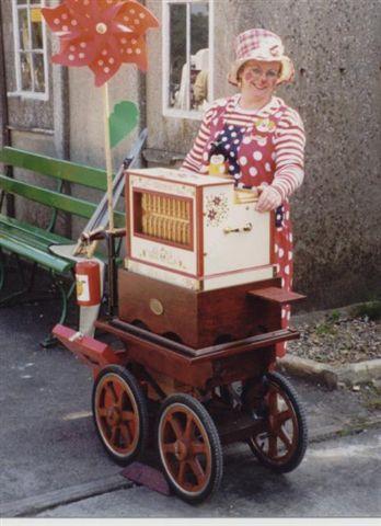 Flossie on the Trueman Organ, Isle of Wight Steam Festival